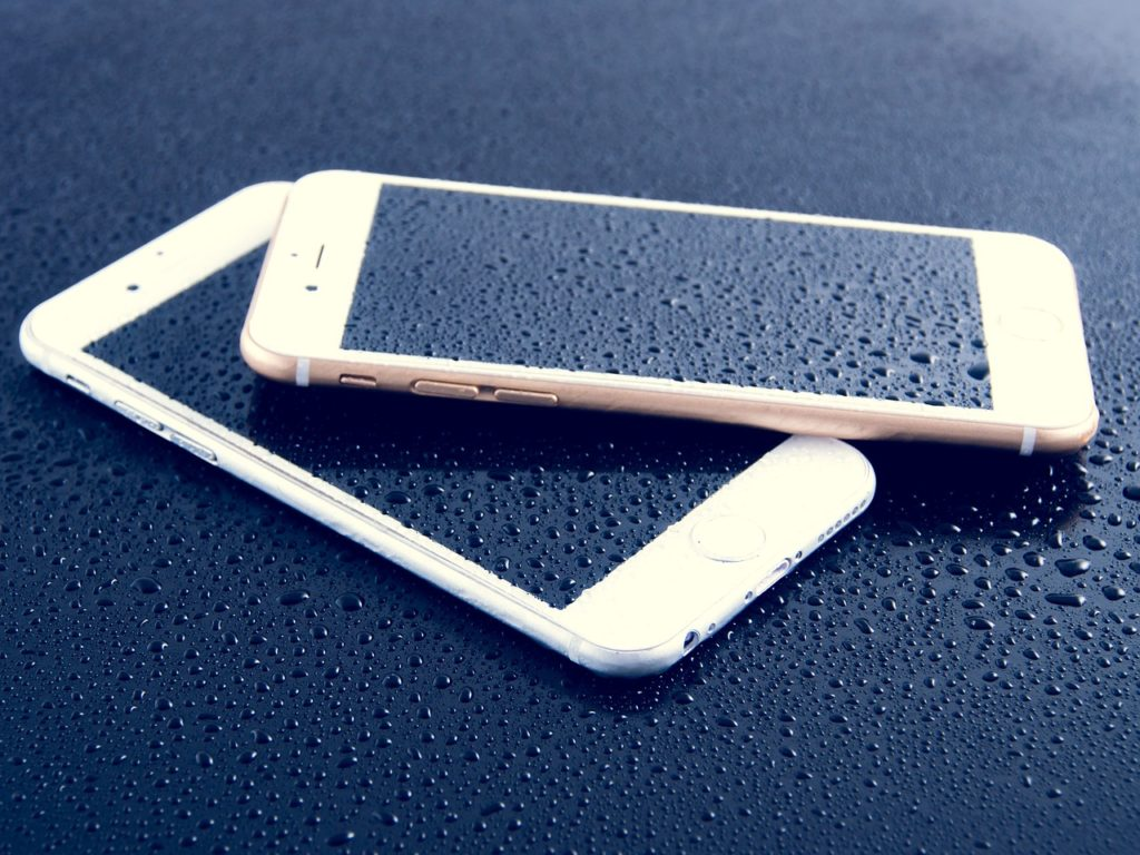 What to do if your smartphone falls in water